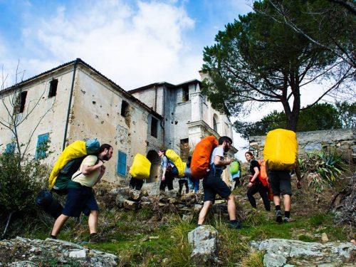 La Pasqua sulla strada dei migranti (laRepubblica Genova)
